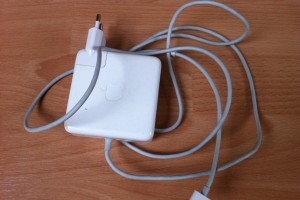 Apple Netzteil MagSafe Power Adapter 85W